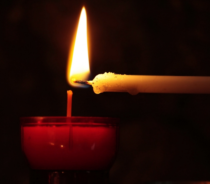candle-2738529_1920